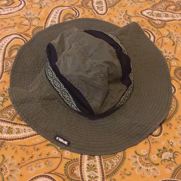 Teva sun shade hat. M 5b830bcc5098a0b92e93152e. Other Accessories ... 405d7797ad2e